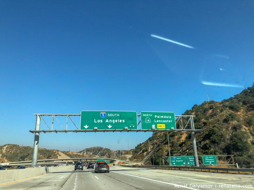 Los Angeles, Bakersfield road sign